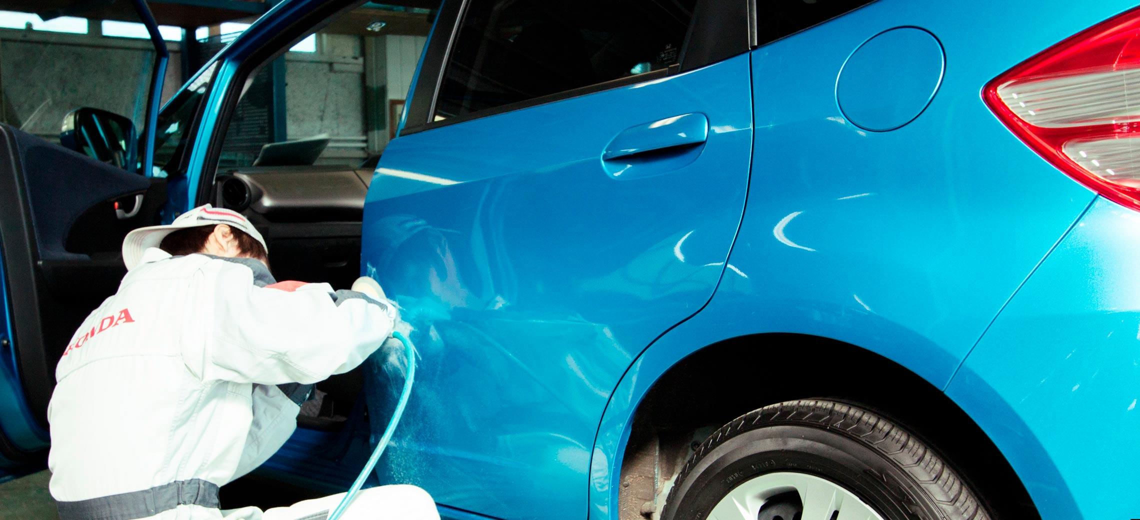 Honda Cars 札幌中央 ボディサービス |  車板金修理